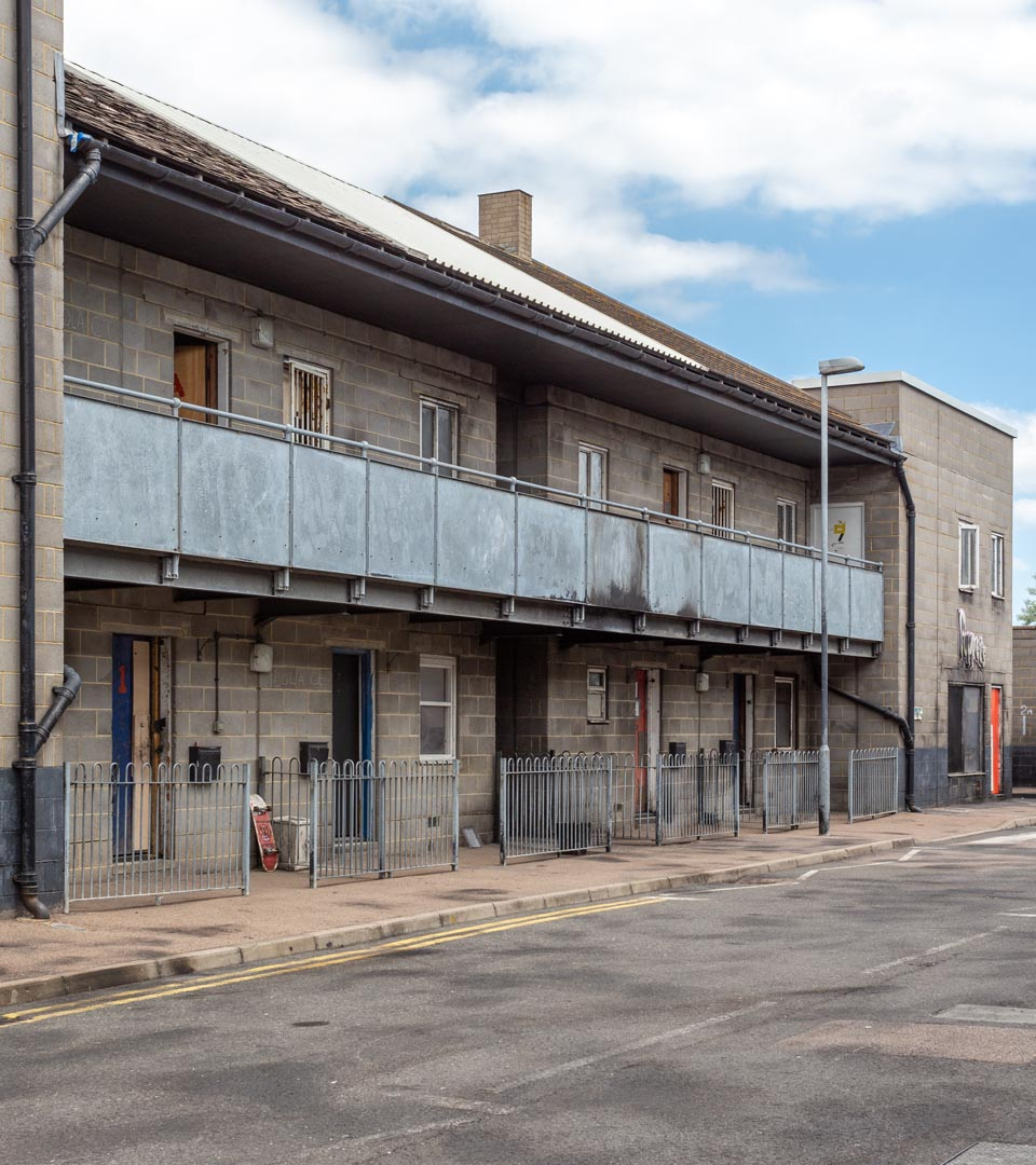 2 story flats and balcony - Gravesend Metropolitan Police Tactical Training Centre Gravesend